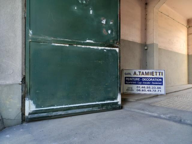 Préparation et finition d'un portail par votre entreprise Tamietti à Paris
